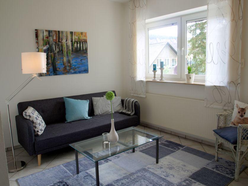 Wohnzimmer/ehemals Wartezimmer nachher